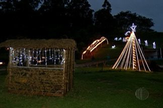 Dona de sítio em Salesópolis transforma sua casa em show de luzes e música - Acender das luzes podem ser vistos até dia 6 de janeiro.