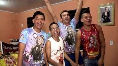 Fãs de Joelma já se preparam para o show na virada - Uma das atrações da festa da virada é a cantora Joelma, escolhida para fazer a contagem regressiva pra 2018.
