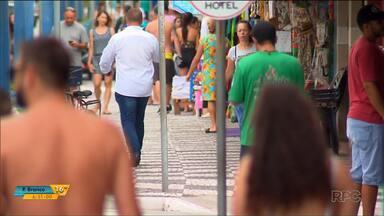 Comerciantes do litoral estão otimistas com as vendas - O movimento está grande nessa primeira semana do ano.