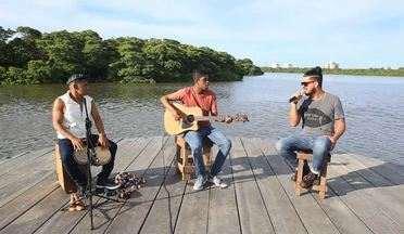 Banda Mambolada é destaque no 'Combinado' - A banda Mambolada animou o primeiro programa do ano com uma mistura de ritmos calientes que não deixou ninguém parado. Reveja!