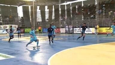 Torneio de futsal Arimatéia teve dia de mata-mata com bom público - Este sábado serão disputadas as semifinais da competição e domingo, a grande final.