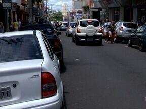 Quantidade e tipos de multas refletem falta de educação no trânsito de Presidente Prudente - Motoristas também reclamam de problemas enfrentados nas ruas.
