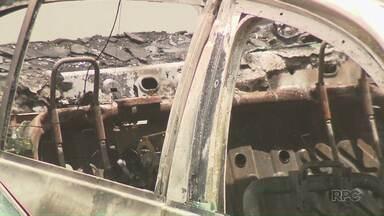 Polícia suspeita que corpo encontrado em carro é de policial militar - PM está desaparecido desde sexta-feira