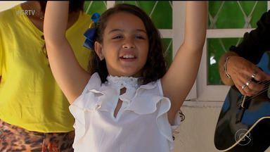 Atriz pernambucana, de 9 anos, faz sucesso em minissérie da Globo - Lissa Marie fez o papel de Luzia criança.
