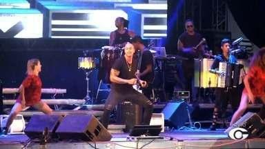 Leo Santana anima o público no Maceió Verão 2018 - Cantor foi uma das atrações do evento, que também contou com Claudia Leitte, Igbonam Rocha e Wilma Araújo.