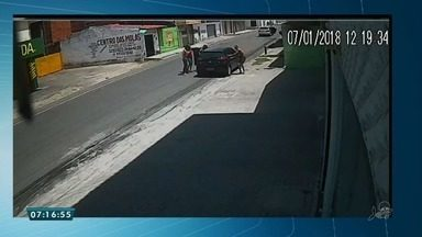 Flagrante de assalto no Bairro Bonsucesso em Fortaleza - O assalto ocorreu na tarde deste domingo (7).