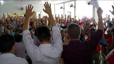 Policiais encerram paralisação e RN assina acordo com concessões - Justiça havia considerado movimento ilegal e ordenado a prisão de quem incitasse paralisação, mas governo garantiu que não vai punir ninguém.