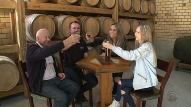 Cachaça produzida em Santa Catarina vence concurso nacional - A diminuição da taxa tributária tem incentivado a produção da bebida.