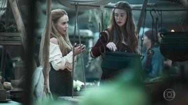Amália conversa com Diana sobre o flagrante de Virgílio - Questionada, Amália diz não saber se gosta de Afonso