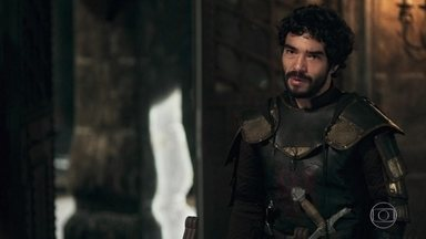 Cássio avisa a Rodolfo que Crisélia ordenou que o exército entrasse em prontidão - O príncipe fica bastante preocupado e questiona a avó