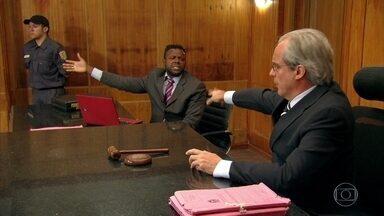 Julgamento com elogios - Que rasgação de seda, hein, Juiz Tavares!