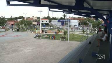 Praça passa por reforma e se torna um dos pontos mais visitados de Caxias - Praça Dom Luiz Marelim ou Praça da Chapada, uma das mais antigas do município, é visitada por crianças, adolescentes e adultos.