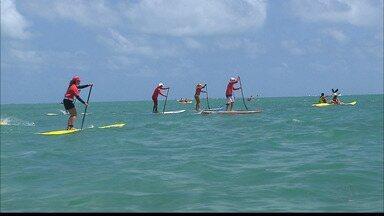 Remada da Ilha agita a orla de Cabedelo nesse domingo - O repórter Plínio Almeida acompanhou de perto as competições de stand up paddle e natação.
