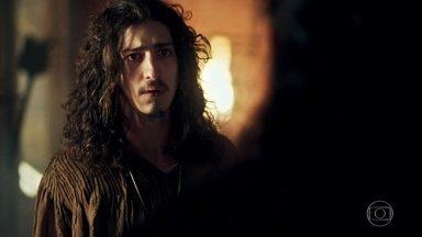 Rodolfo constata que Afonso está vivo - Eles se abraçam e Afonso diz que depois explica o que lhe aconteceu