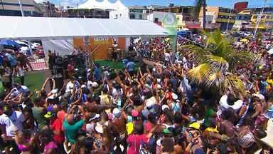 GE de Verão recebe a cantora Daniela Mercury em programa especial na orla de Itapuã - Ao longo dessa semana o Globo Esporte Bahia está sendo apresentado fora do estúdio e conta com participações especiais de artistas baianos.