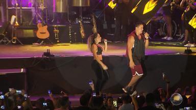 Harmonia do Samba, Anitta e Matheus e Kauan animam ensaio de verão em Salvador - Evento aconteceu no Wet'n Wild, na segunda-feira (15).