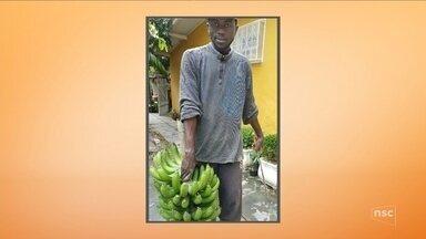 Corpo de haitiano é encontrado cinco dias após cair em bueiro em Balneário Camboriú - Corpo de haitiano é encontrado cinco dias após cair em bueiro em Balneário Camboriú