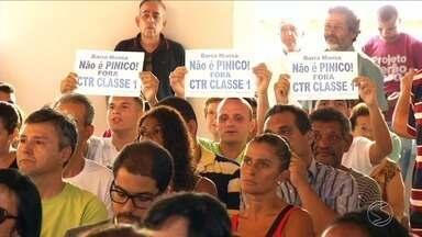 Audiência pública em Barra Mansa discute projeto para o Centro de Tratamento de Resíduos - Ideia é que o local receba mais tipos de materiais, além do lixo doméstico. População tem medo dos maiores riscos de contaminação ao meio ambiente e à saúde.