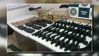 Sargento do Exército é preso com fuzis e cocaína em Foz do Iguaçu - Apreensão foi feita pela Polícia Civil e Polícia Rodoviária Federal.