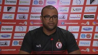 Fisioterapeuta do Campinense explica as baixas do time - Léo Felix fala sobre Felipe Macena e Jean Carlo, que estão vetados para o jogo contra o CSP, e sobre Muller Fernandes, que é dúvida.