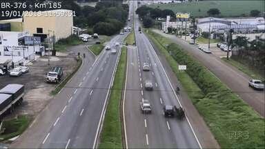 Câmeras flagram acidente com carroça na BR-376 - O acidente foi entre Sarandi e Marialva; ninguém ficou ferido