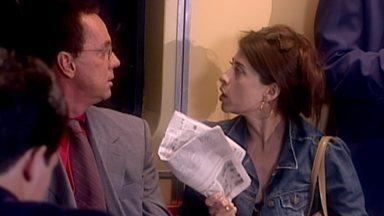 Trair É Normal - Rui e Vani se desentendem e planejam uma traição. Ele se interessa por Ana, mulher de Silvio, que marca encontro com Vani.
