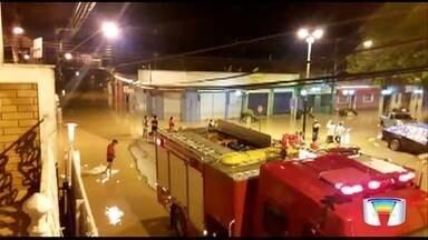 Chuva causa alagamentos em Monteiro Lobato - Alguns moradores precisaram deixar suas casas.