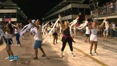 Escolas de samba fazem ensaios para os desfiles no Sambão do Povo, em Vitória - Quinta-feira foi o dia da Novo Império e Piedade.