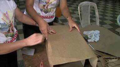 Artesãs produzem papel com bagaço da cana - Grupo de Coruripe desenvolve trabalho que contribui com o meio ambiente.