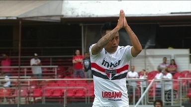 Na estreia de Nenê, São Paulo faz 2 x 0 no Botafogo-SP e Cueva se desculpa com torcida - Em jogo que teve primeira partida do ex-vascaíno e com a volta de Cueva, Tricolor toma sustos, mas vence