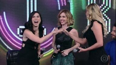 Deborah Evelyn e Olivia Torres acertam mais uma no 'Ding Dong' - Claudia Leitte canta sucesso no palco do 'Domingão'