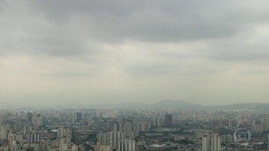 Tarde terá predomínio de céu nublado - Temperatura vai subir pouco.