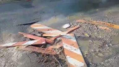 'Até Quando': moradores de bairro de Campinas reclamam de vazamento de esgoto - Sanasa disse que recebeu a primeira reclamação no dia 2 de fevereiro; reparo foi agendado para a tarde desta quarta.