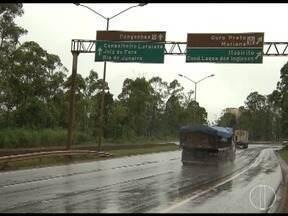 Pistas simples em trechos da BR 040 exigem atenção dos motoristas no período de carnaval - Mais de 600 mil veículos devem passar pela rodovia nesse feriado.