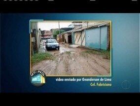 VC no MGTV: Confira os vídeos enviados pelos telespectadores da região - Moradores de Pontal em Governador Valadares reclamam dos grandes buracos nas ruas, além de esgoto a céu aberto.