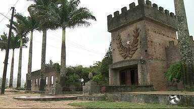 Ponto turístico de Garanhuns enfrenta problemas de manutenção - Se não passar por reparos, castelo de João Capão poderá fechar as portas.