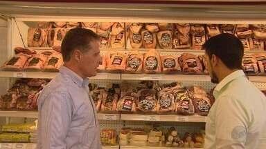 Queda no preço da carne deve deixar o churrasco de carnaval mais barato - O valor dos cortes nobres caiu, conforme uma pesquisa da Associação dos Supermercados Paulistas.