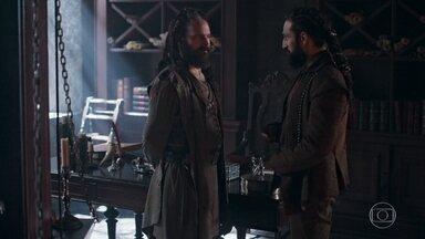 Constantino aconselha Hermes a ficar longe de Demétrio - Constantino repreende Hermes ao vê-lo conversando com Augusto