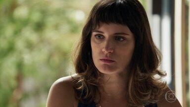 Clara declara guerra a Vinícius - Ela está disposta a tudo para acabar com o padrasto de Laura