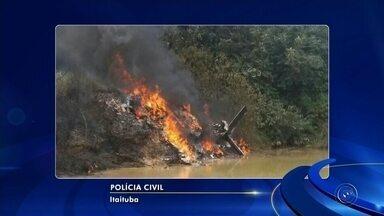 Dono de avião que explodiu no Pará é enterrado em Bauru - Vítima era piloto de avião, mas constava como passageiro da aeronave. Outras duas pessoas morreram no acidente.