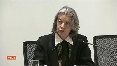 Cármen Lúcia diz que competência para julgar caso de Cristiane Brasil é do STF - A presidente do Supremo Tribunal Federal (STF) cassou a liminar do Superior Tribunal de Justiça (STJ) que autorizava a posse da deputada do PTB, no Ministério do Trabalho.