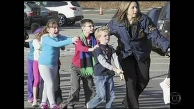 Massacre deixa 17 mortos em escola da Flórida - Outras dez pessoas ficaram feridas. O ataque foi na pequena cidade de Parkland, que tem pouco mais de 30 mil habitantes. No ano passado ela foi considerada a cidade mais segura da Flórida.
