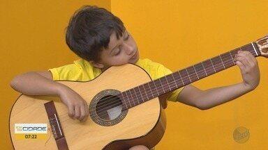 'Projeto Guri' oferece 600 vagas para aulas de música na região de Ribeirão Preto - Jovens podem aprender instrumentos musicais e canto.