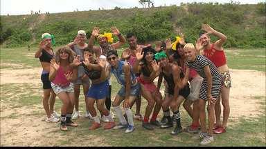 Virgens do Cruzeiro do Pedregal entra em campo para o tradicional amistoso de carnaval - Em ritmo de folia, atletas entram na folia e se vestem de mulher para uma partida irreverente, mas para lá de disputada.