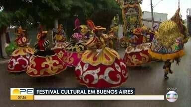 Encontro Cultural leva apresentações de maracatus e shows para Buenos Aires - Evento acontece desta sexta-feira (16) até o domingo (18). Ao total, 32 atrações participam da folia estendida.