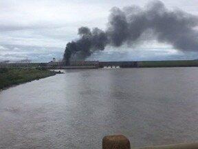 Usina hidrelétrica avalia prejuízos após incêndio em transformador - Fogo foi provocado por problemas mecânicos do equipamento.