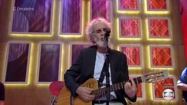 Renato Teixeira canta 'Romaria' - Cantor abre o 'Encontro' com clássico sertanejo