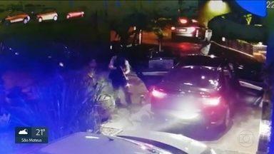A polícia investiga a execução a tiros de fuzil na porta de um hotel na zona leste - Segundo o secretario da segurança pública, Mágino Alves Barbosa, o desentendimento entre integrantes da facção é evidente e essa é a linha de investigação.