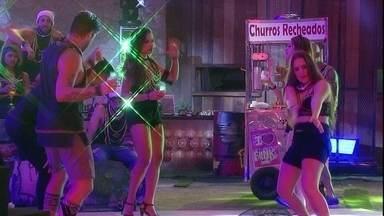 Breno e Patrícia fazem passinhos na pista de dança - Breno e Patrícia dançam