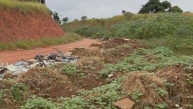 Obras de anel viário estão paralisadas em Lavras (MG) - Obras de anel viário estão paralisadas em Lavras (MG)